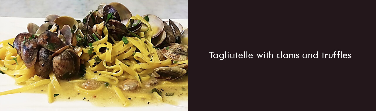 Tagliatelle with clams and truffles