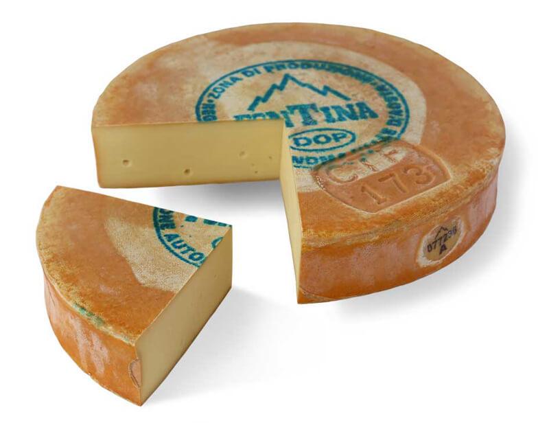 produzione del formaggio  fontina