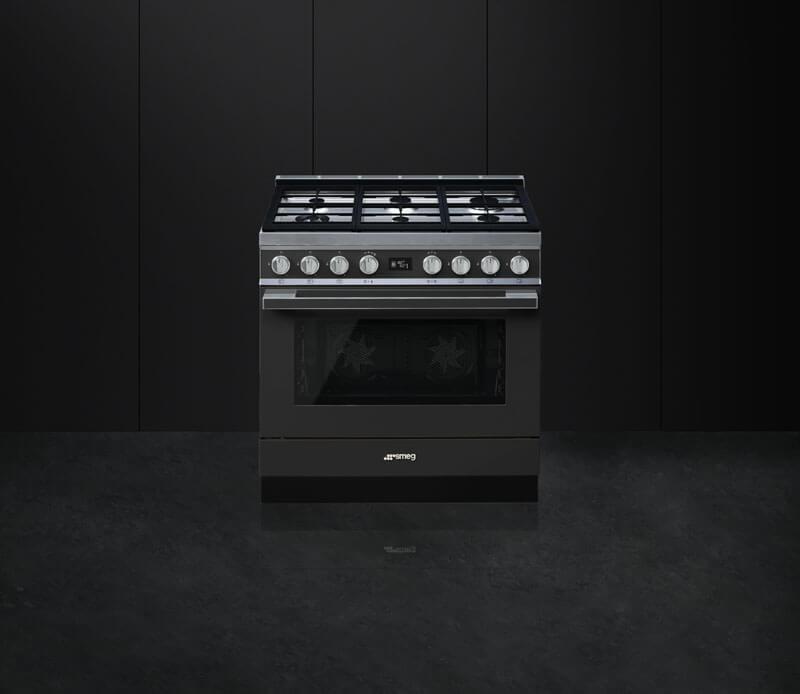 Le cucine Smeg e i colori di Portofino Cucine d\'Italia