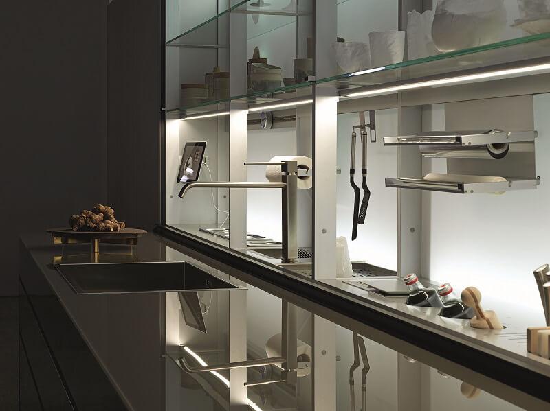 Valcucine festeggia trent 39 anni di vetro in cucina cucine d - Cucine valcucine opinioni ...