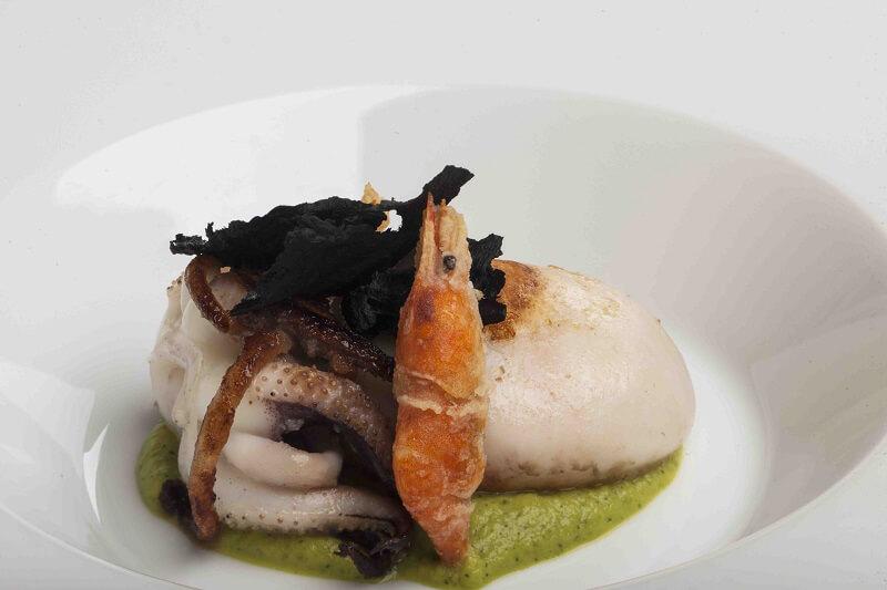 Antinoo's Lounge Seppia novella con crema di zucchine e menta