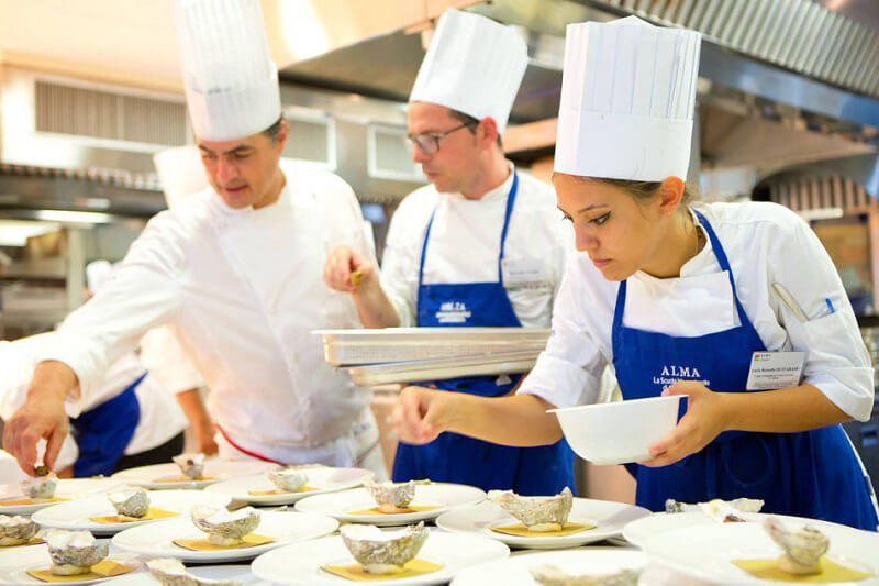 Gualtiero marchesi lascia la carica di rettore della scuola di cucina alma cucine d 39 italia - Alma scuola cucina ...