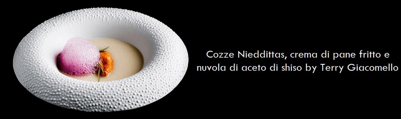 Cozze Nieddittas, crema di pane fritto e nuvola di aceto di shiso by Terry Giacomello