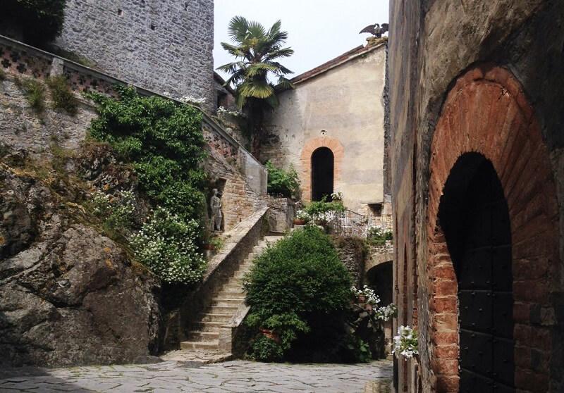 Castello infestato Castello di Gropparello