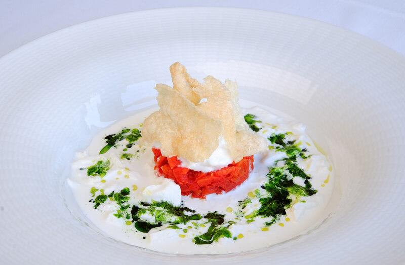 Giancarlo Bellino Executive Chef Tartare di pomodoro appassito con stracciatella di Andria e frisella soffiata