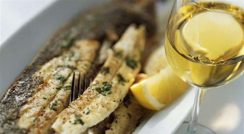 abbinamento vino e pesce
