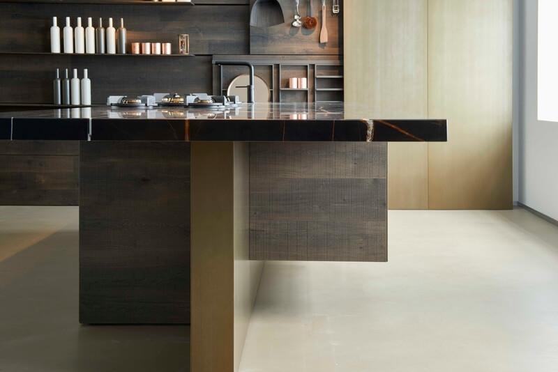 cucina Estivale Key Cucine dettaglio complementi contenitivi piano in marmo