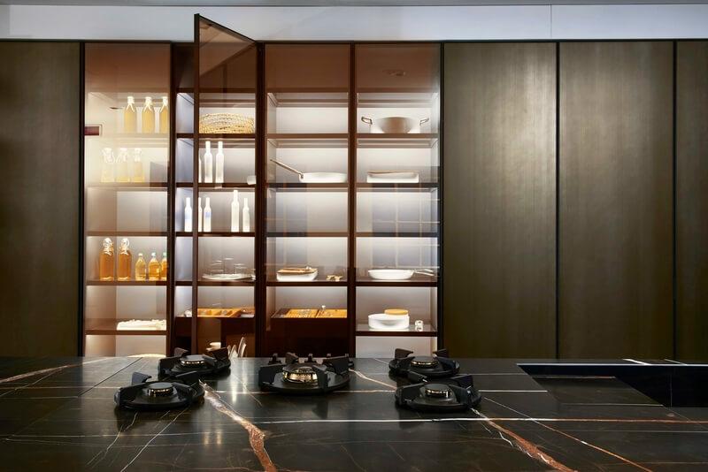cucina Estivale Key Cucine dettaglio fuochi piano in marmo