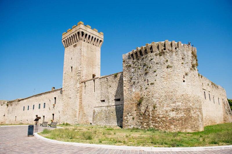 dormire in un castello torre della botonta