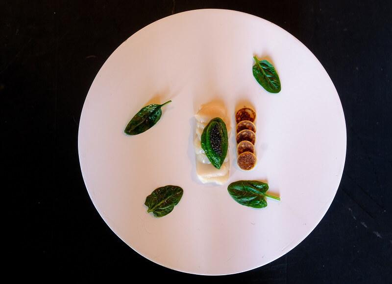 Executive Chef Giancarlo Bellino Bianco di capasanta con maionnaise di spinaci e caviale pregiato Italiano