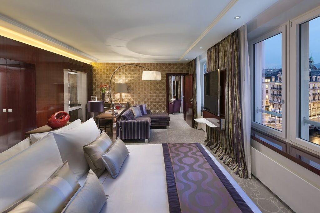 Hotel 2020