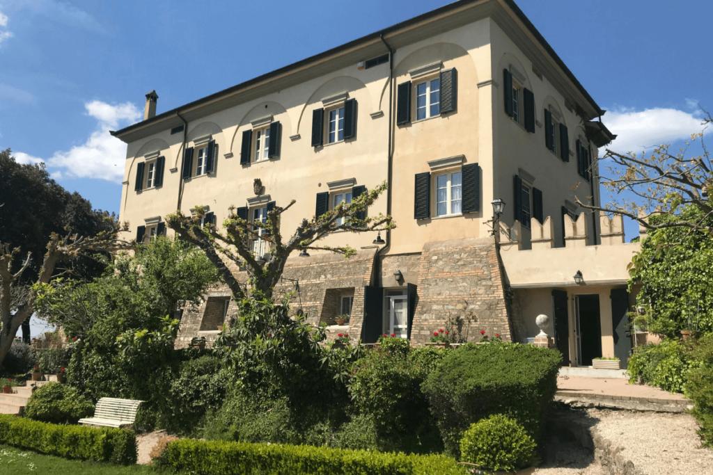 Sagrantino-La-Ghirlanda